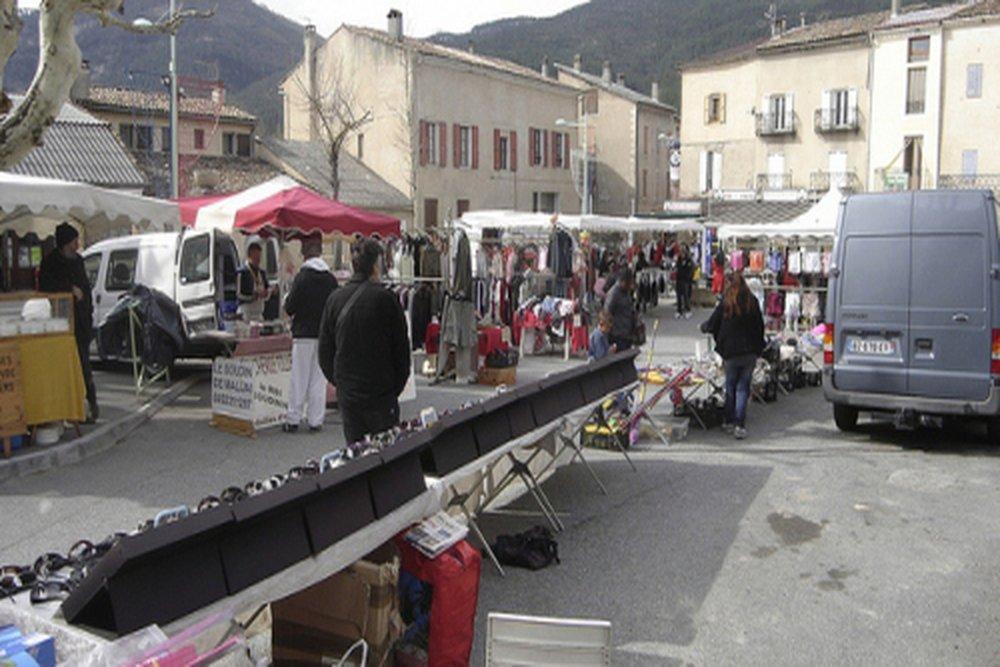 http://www.barreme.fr/mediatheque/au_quotidien_marche_barreme.jpg